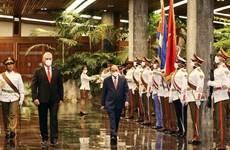 Presidente cubano da la bienvenida a su par vietnamita Nguyen Xuan Phuc