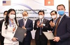 Vietnam y EE.UU. firman memorando de entendimiento sobre cooperación en energías renovables