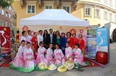 Promueven imagen de Vietnam en evento multicultural en Alemania