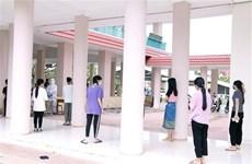 Vietnamitas en Laos se apoyan para superar la pandemia