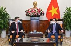 Aprecia Vietnam la cooperación multifacética con Polonia