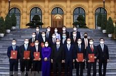 Designan a nuevos embajadores vietnamitas en el extranjero
