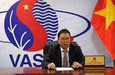 Recibe científico vietnamita medalla de plata de Belarús