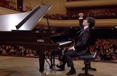 Alumno de legendario pianista vietnamita gana concurso internacional de piano Chopin
