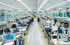 Localidades del sur de Vietnam reciben a empleados que vuelven al trabajo