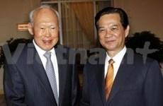 Premier recibe a ministro de Singapur