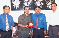 En Viet Nam presidente de federación de Juventud Democrática