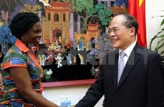 Vicepremier vietnamita recibe a representante de BM