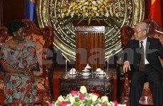 Dirigentes vietnamitas reciben delegación de Tanzania