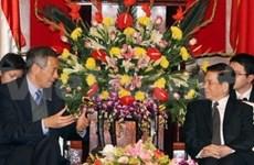 Recibe presidente a premier singapurense