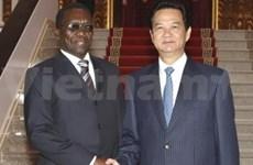 Dirigentes vietnamitas reciben a premier tanzano