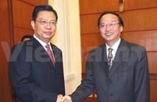 Delegación partidista china visita Viet Nam