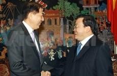 Vicepremier vietnamita con dirigente singapurense