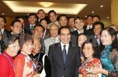 Secretario general de PCV con residentes en Ultramar