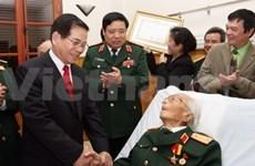 Honran al general Giap por aniversario Ejército vietnamita