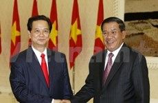 Viet Nam y Cambodia impulsan relaciones