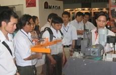 En Viet Nam exposición internacional de maquinarias