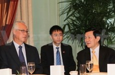 Presidente vietnamita continúa visita en Singapur
