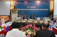 Reúnen funcionarios regionales de educación