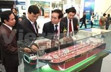 Exposición internacional sobre construcción naval en Hanoi