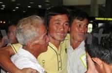 Regresan vietnamitas detenidos por piratas somalíes