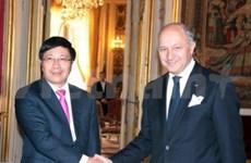 Vietnam y Francia avanzan hacia asociación estratégica
