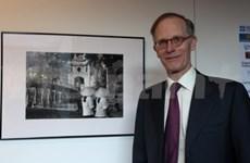 En Londres exhibición fotográfica sobre postguerra de Hanoi