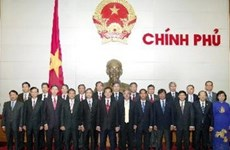 Premier dialoga con entrantes embajadores vietnamitas