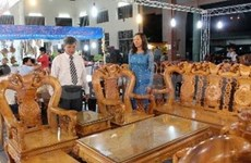 Feria expone especialidades de parte central vietnamita
