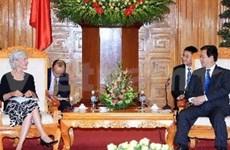 EE.UU. ayuda a Vietnam en lucha contra SIDA, drogas y terrorismo