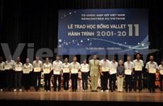 Entregan becas Odon Vallet a alumnos vietnamitas