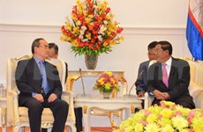 Premier cambodiano recibe al alto dirigente vietnamita