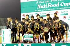 Corona selección japonesa en copa internacional en Vietnam