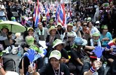 Manifestantes tailandeses asedian sede del partido gobernante