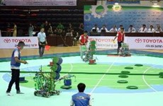 Inaugura concurso nacional de creación de robots