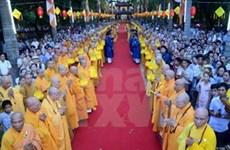 Creyentes budistas vietnamitas celebran Vesak 2015