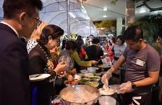 Impresiona Noche culinaria de Vietnam en Tailandia