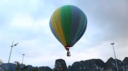 [Fotos] Paseos en globos aerostáticos para contemplar Ha Long desde las alturas