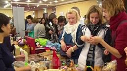 Vietnam participa en feria de caridad en Eslovaquia