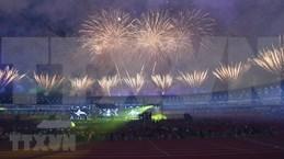 Fiesta de luces y música da cierre a los SEA Games 30
