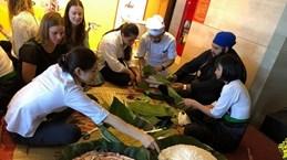 Estudiantes de Nueva Zelanda experimentan cultura y turismo vietnamitas