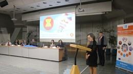 Participa Vietnam en coloquio en Praga sobre la ASEAN