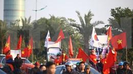 Atletas vietnamitas participantes en SEA Games 30 regresan al país entre mar de fanáticos