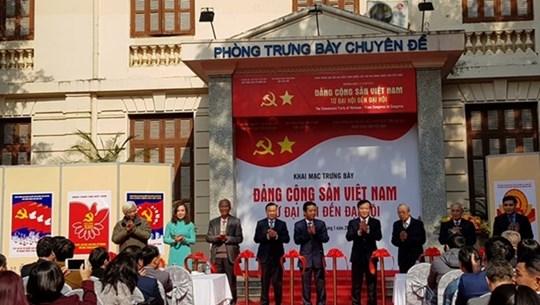 Exposición en Hanoi resalta liderazgo del Partido Comunista de Vietnam