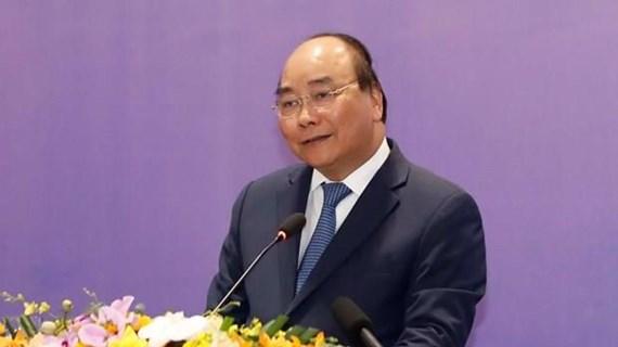 Premier vietnamita aboga por el desarrollo vigoroso de la economía nacional