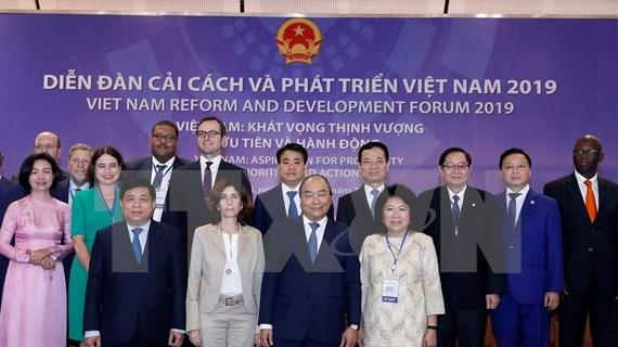 Insta Premier de Vietnam a escuchar sugerencias internacionales sobre reformas de su país