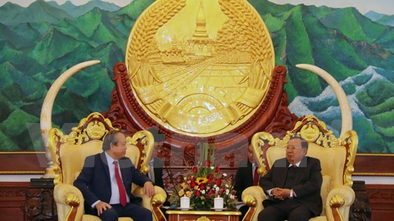Dirigentes de Laos reiteran consideración a lazos con Vietnam como factor vital para el desarrollo