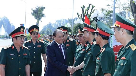 Primer ministro de Vietnam visita Escuela de Oficiales del Ejército 2