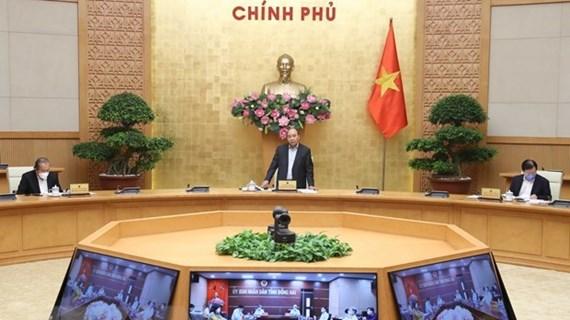 Premier vietnamita pide medidas urgentes para paliar impacto de COVID-19