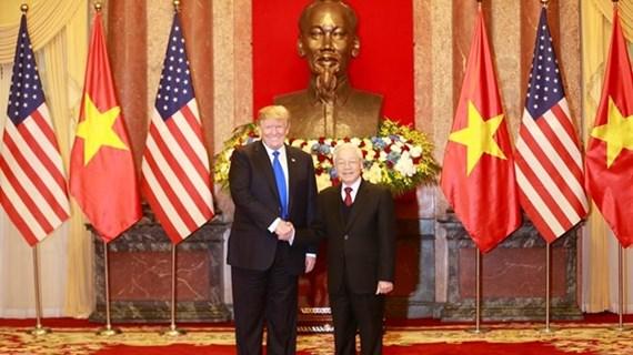 Vietnam y Estados Unidos intercambian cartas de felicitación por el 25 aniversario de nexos